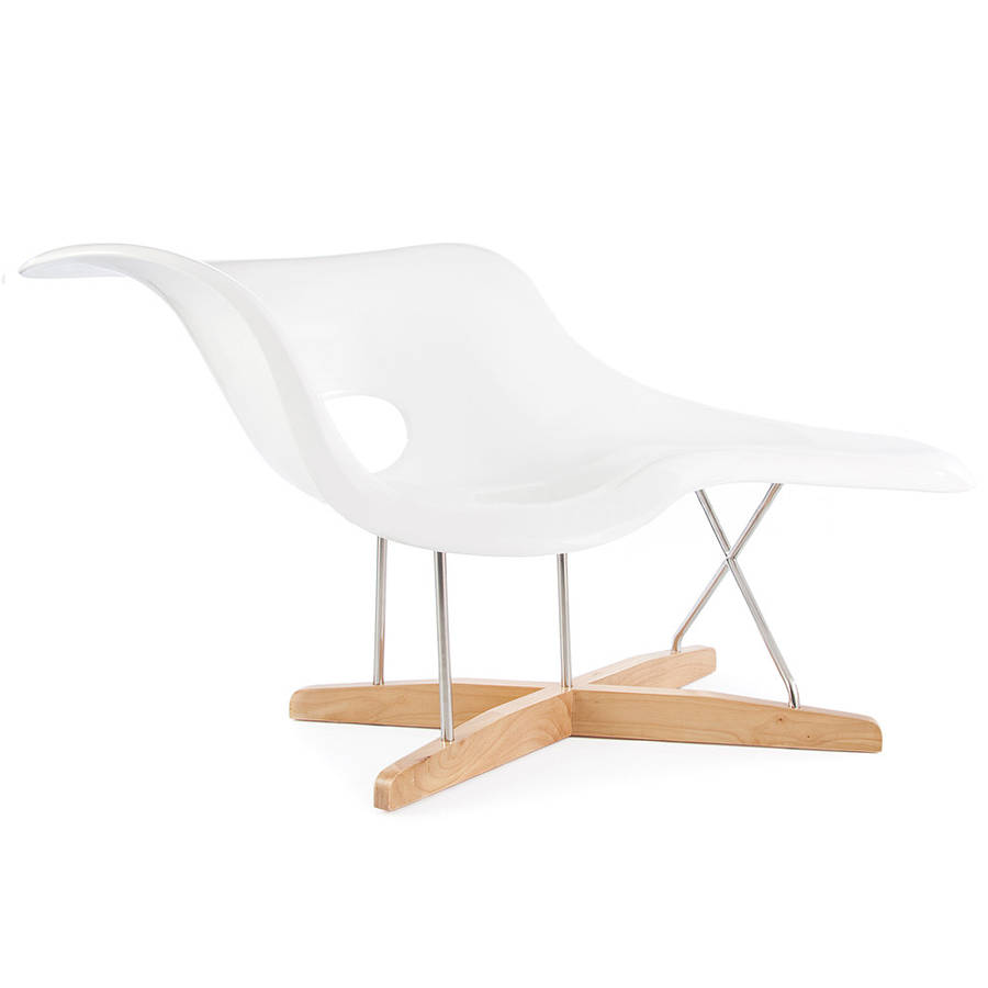 An eames style chaise longue by ciel for Chaise eames