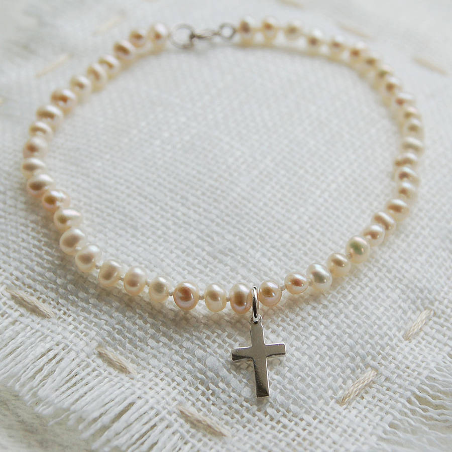 Fresh pearl bracelet with sterling silver cross by highland angel  UX26