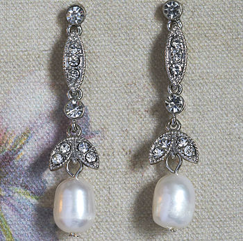 Emma Freshwater Pearl Earrings