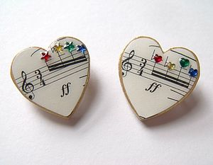 Music Heart Brooch With Rainbow Rhinestones