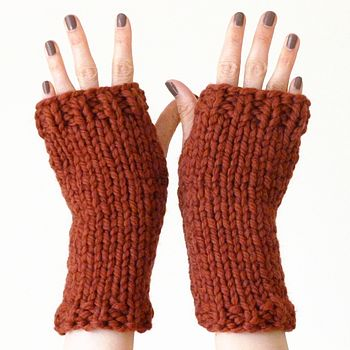 Fingerless mitts - rusty red