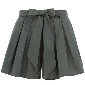 Shorts With Bow Belt