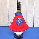 personalised cape on standard wine bottle for dad