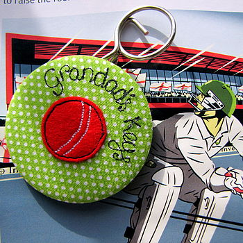 Personalised Cricket Keyring & Bottle Opener