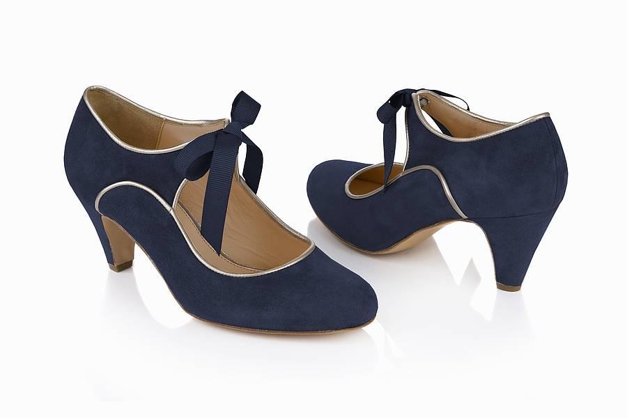 Mary Jane (shoe) - Wikipedia, the free encyclopedia