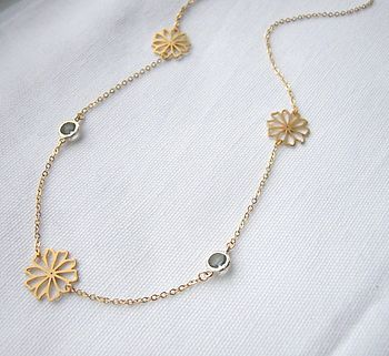 Flower And Glass Stone Necklace