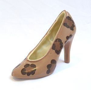 Large Chocolate Shoe Leopard Natural - chocolates