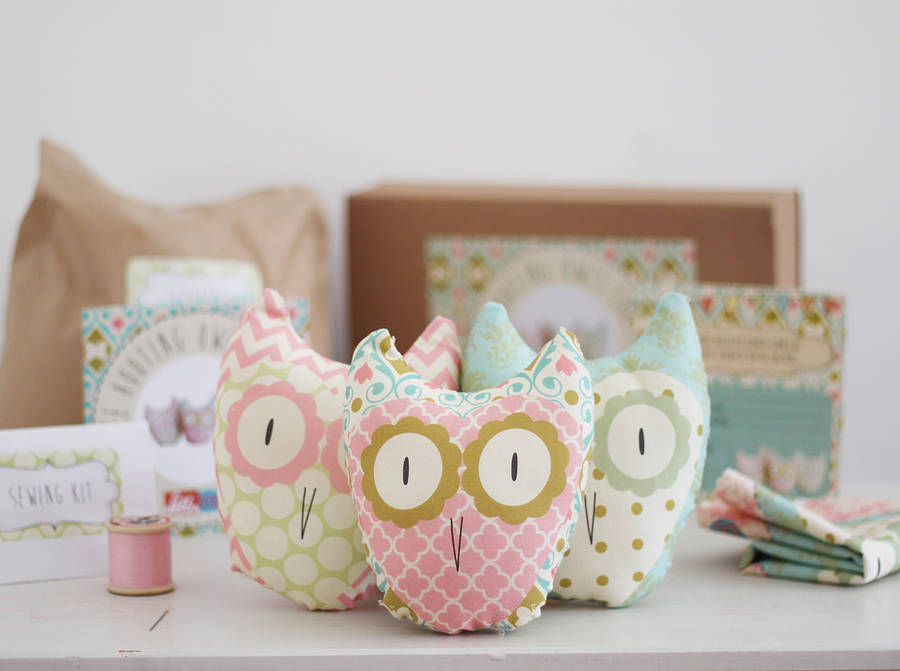 Three hooting owls beginners craft kit by lou brown for Easy crafts for beginners