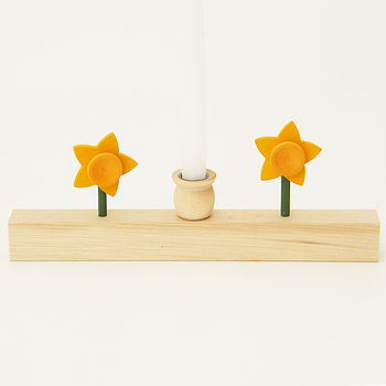 Small Wooden Candle Holder With Daffodils