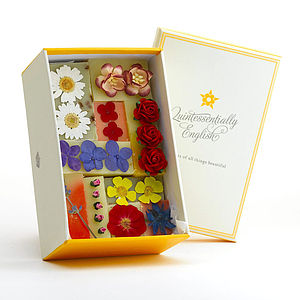 Organic Summer Bloom Soap Gift Box - more