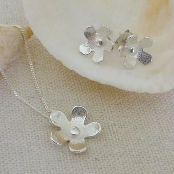 Silver Flower Pendant And Stud Earrings Set