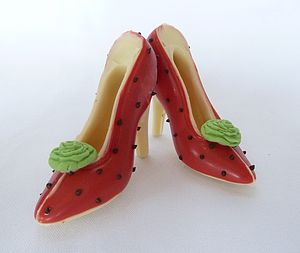 Small Chocolate Shoes Strawberry And Cream - cakes & treats