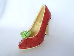 Large Chocolate Shoe Strawberry And Cream