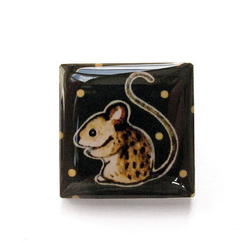 Small Button Mouse Brooch