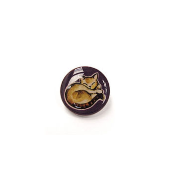 Cat Design Button Brooch