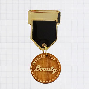 'Beauty' Champ Badge Brooch