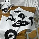 Thumb_retro-style-vinyl-tea-towel