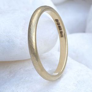 2mm Hammered Wedding Ring In 18ct Gold