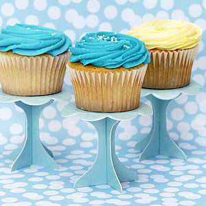 Cupcake Pedestal Stands - gifts for bakers