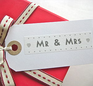 'Mr & Mrs' Gift Tag - ribbon & wrap