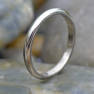 2mm 18ct White Gold Wedding Ring