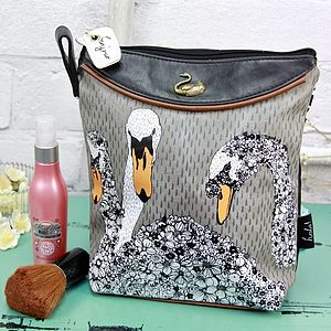 Hola Swan Wash Bag - make-up & wash bags