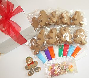 Gingerbread Men Decorating Kit - biscuits
