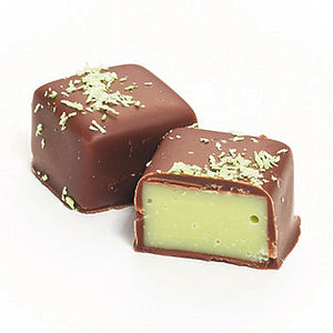 Eve Cream Of Apple In Milk Chocolate - wedding favours