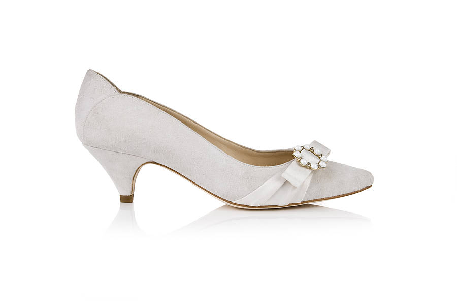 White Kitten Heel Shoes - Qu Heel