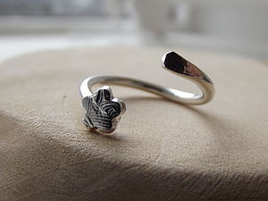 Silver Textured Flower Toe Ring - rings