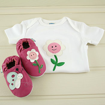 Smiley Flowers Baby Shoe And Suit Gift Set