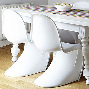 A White Chair, S Style Moulded Retro Chair, Set Of Four - furniture