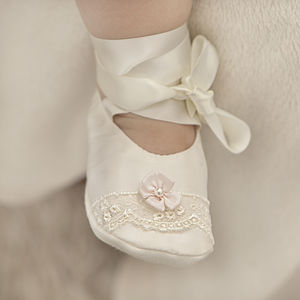 Christening Booties 'Aurora'