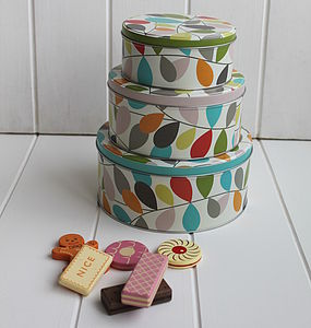 Cake Tin Trio - cake decoration