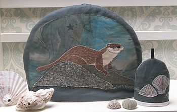 Otter Tea Cosy