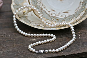 Drop In The Ocean Pearl Necklace