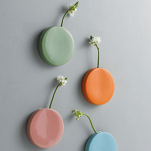 Dot Wall Vase - fresh & alternative flowers