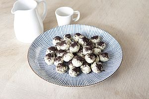Cookies And Cream Truffle - wedding favours