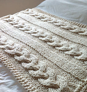 Giant Cable Knitted Blanket - natural bedroom
