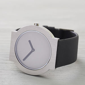 Minimalist Round Face Analog Watch - watches