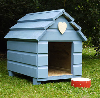 Beach Hut Dog Kennel