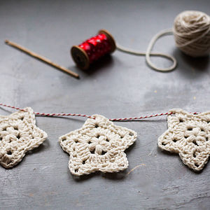 Crochet A Christmas Star Garland - sewing & knitting