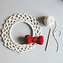 Crochet A Christmas Wreath