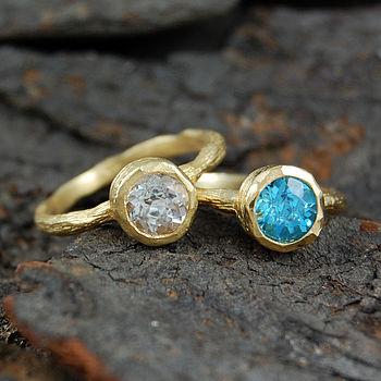 Gold Textured Single Topaz Gemstone Ring Set