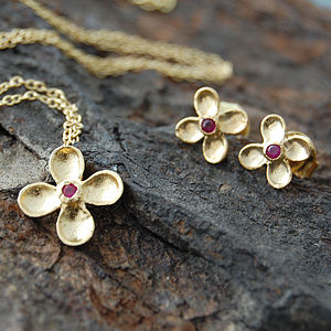 Gold Red Sapphire Clover Earrings Pendant Set - earrings