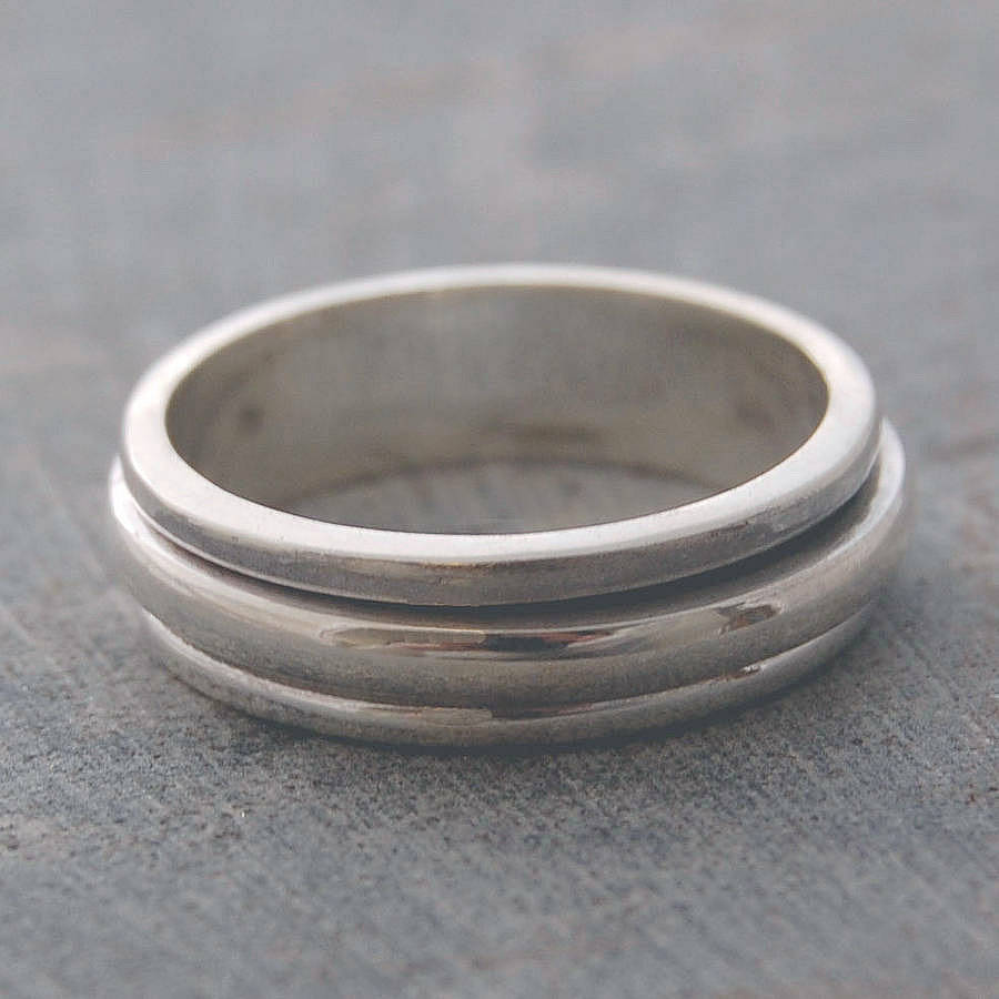 sterling silver spin ring by otis jaxon silver jewellery
