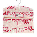 Washing line design in rose pink