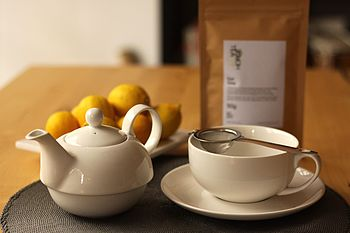 Gift Set: Tea For One Set With Tea And Strainer