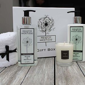 Rose And Neroli Pamper Gift Set - men's grooming & toiletries