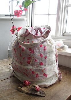Drawstring bag in posy pink with cream